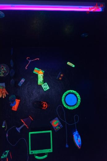 Neon-Foto-Art - des Rätsels Lösung :metabolon