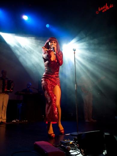 Die popolskische Frauenquote = Dorota - Popolski Show in Boppard /Foto: Stefan Schmidt