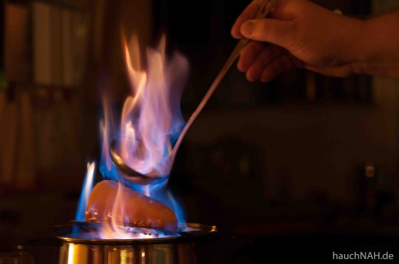 Silvestertradition - Feuerzangenbowle