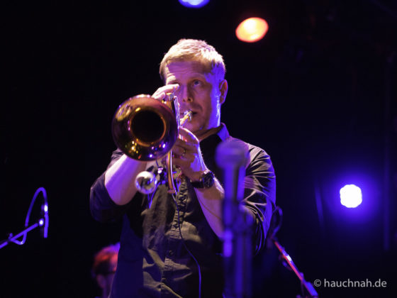 """Jazz mit einem Hauch von Pop, Funk und Rock füllt klangvoll den Konzertsaal des Stadtgartens Köln - Nils Wülker stellt sein neues Album """"UP"""" vor - 20.04.2015 /Foto: Stefan Schmidt www.kultpix.de"""